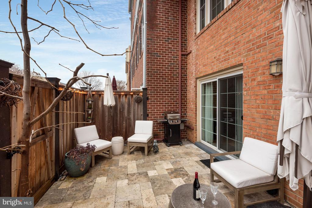 Fully Fenced-In Patio - Perfect for Entertaining! - 1610 BELMONT ST NW #D, WASHINGTON