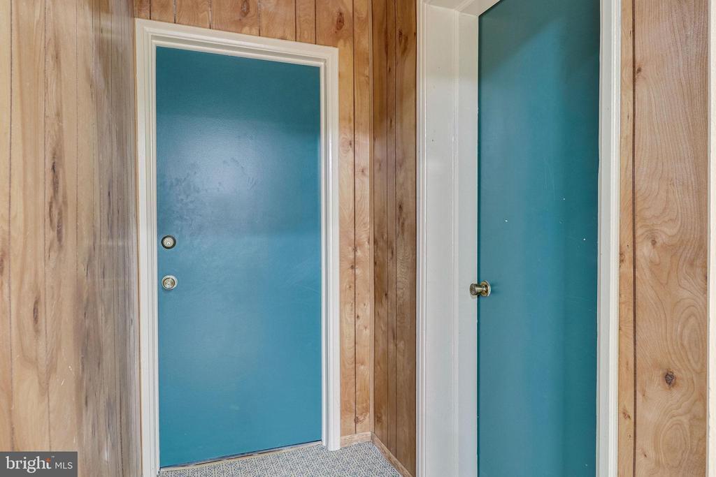 Lower Level Entrance To  Lobby - 3052 S ABINGDON ST #A2, ARLINGTON