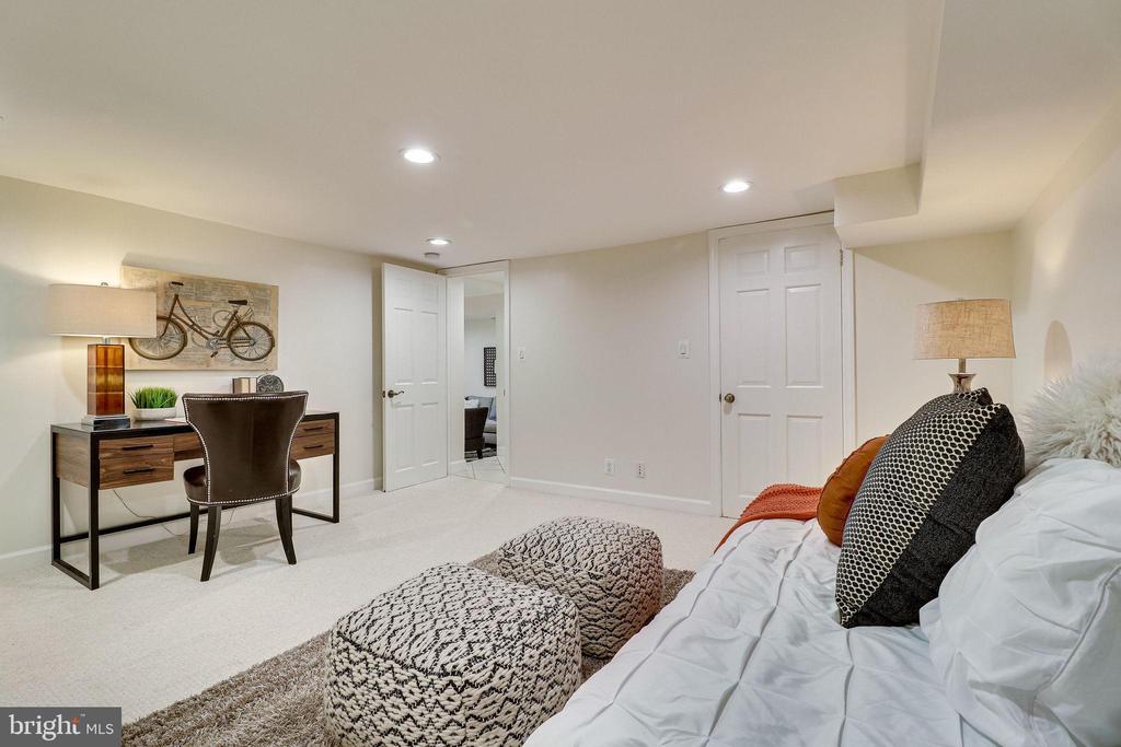 Lower Level Office/Bonus Room - 3052 S ABINGDON ST #A2, ARLINGTON