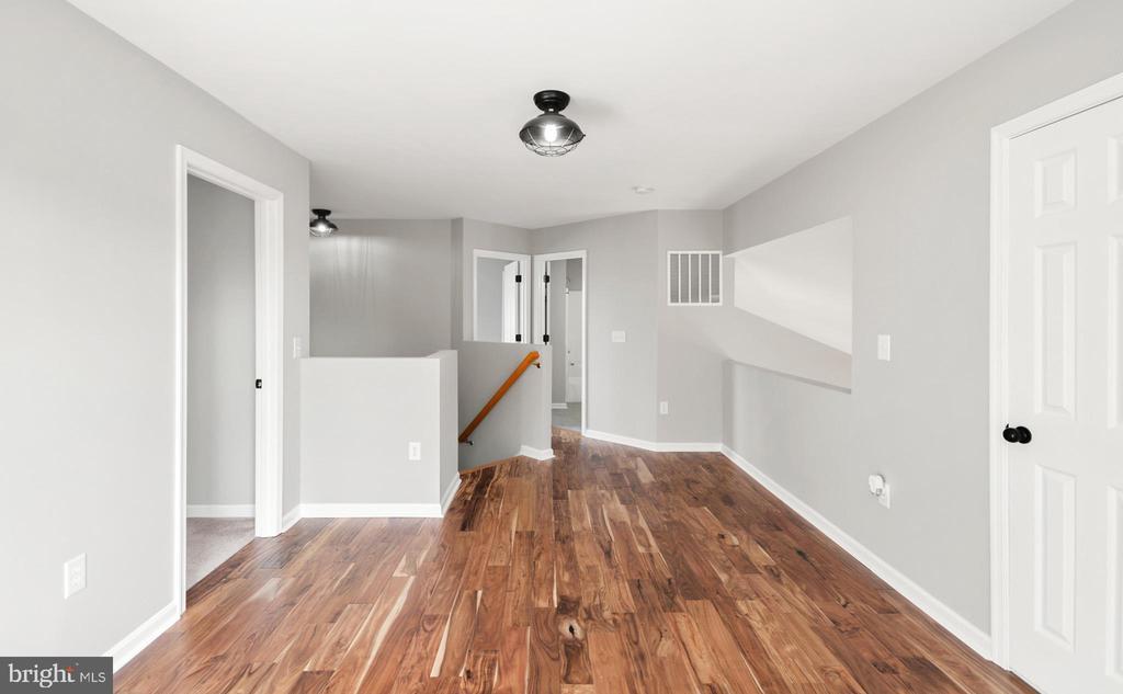 Upper level loft - 305 CONE BRANCH DR, MIDDLETOWN