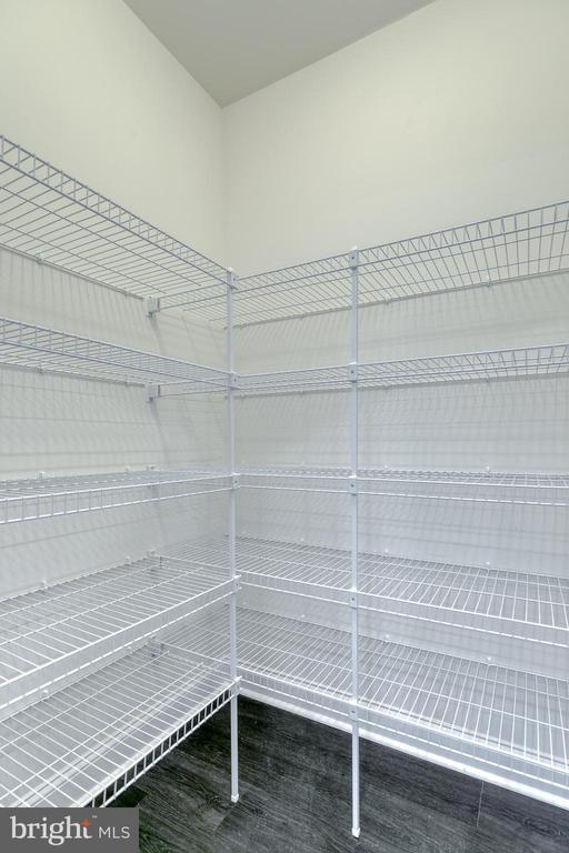 Walk in pantry - 103 OLD OAKS CT, STAFFORD