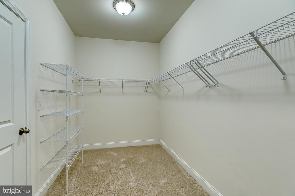 Walk in closet - 103 OLD OAKS CT, STAFFORD