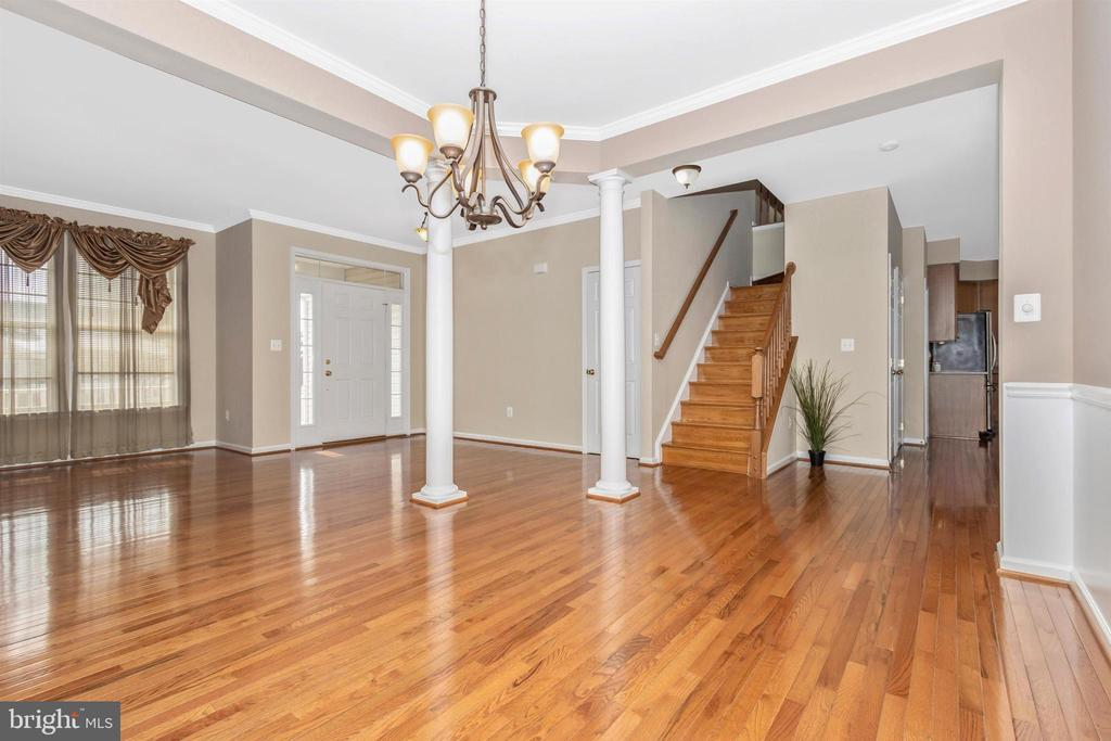 Gorgeous floors - 2 MAE WAY, THURMONT