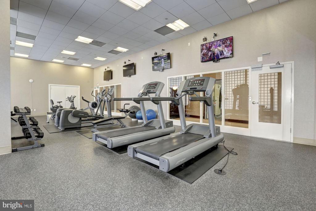 Fitness Center - 1020 N HIGHLAND ST #215, ARLINGTON