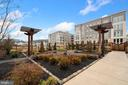 Perfectly Manicured Gardens! - 6107 FAIRVIEW FARM DR #403, ALEXANDRIA