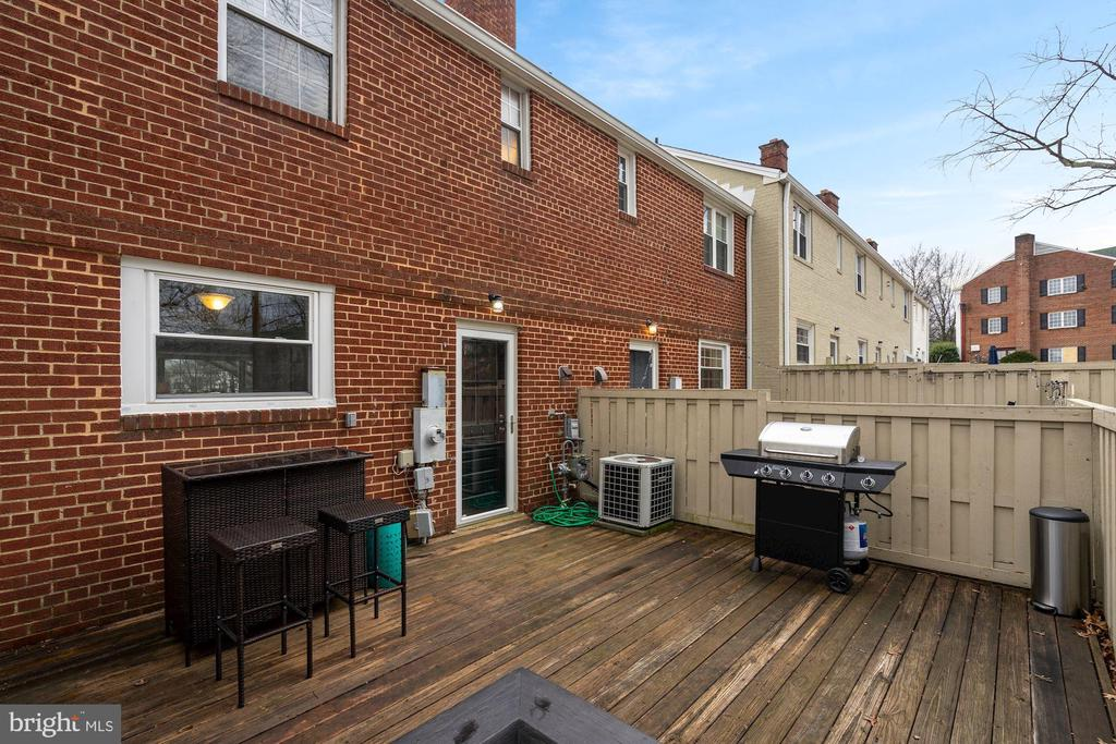 Back Yard - Perfect for Entertaining! - 3833 JAY AVE, ALEXANDRIA