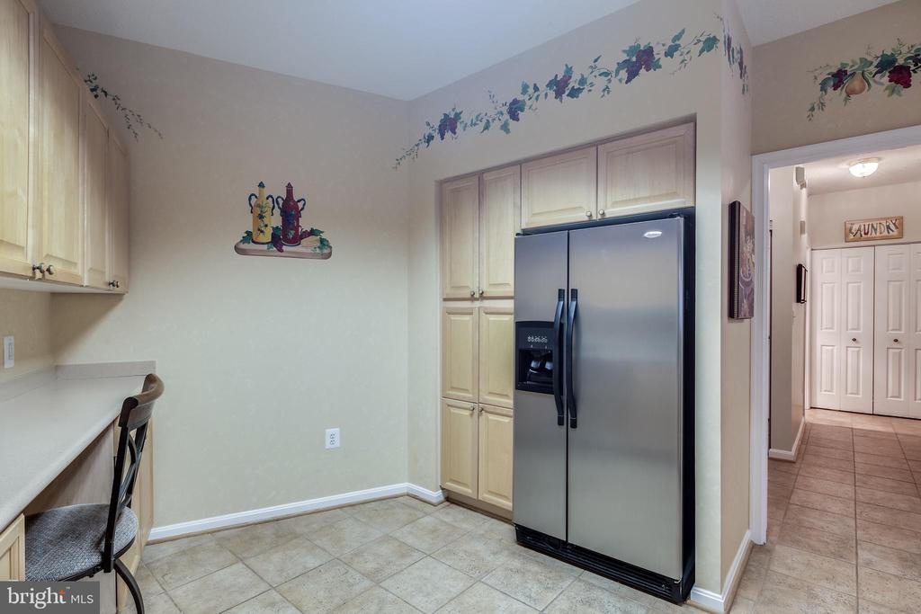 Tons of cabinet space - 3100 N LEISURE WORLD BLVD #203, SILVER SPRING