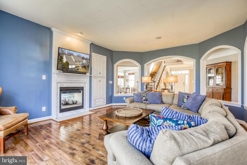 Cozy times w/gas fireplace - 43094 ROCKY RIDGE CT, LEESBURG