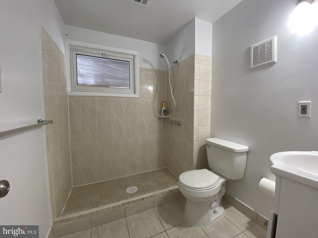 603 W Poplar Road Lower Level Bath - 603 W POPLAR RD, STERLING