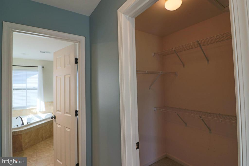 Two primary bdrm walk in closets! - 1110 HEARTHSTONE DR, FREDERICKSBURG