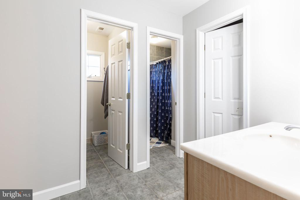 Two bathroom spaces/one room tub and one shower - 9941 CORSICA ST, VIENNA
