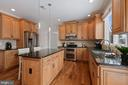 Convenient Island can be used as breakfast Bar - 20004 HAZELTINE PL, ASHBURN