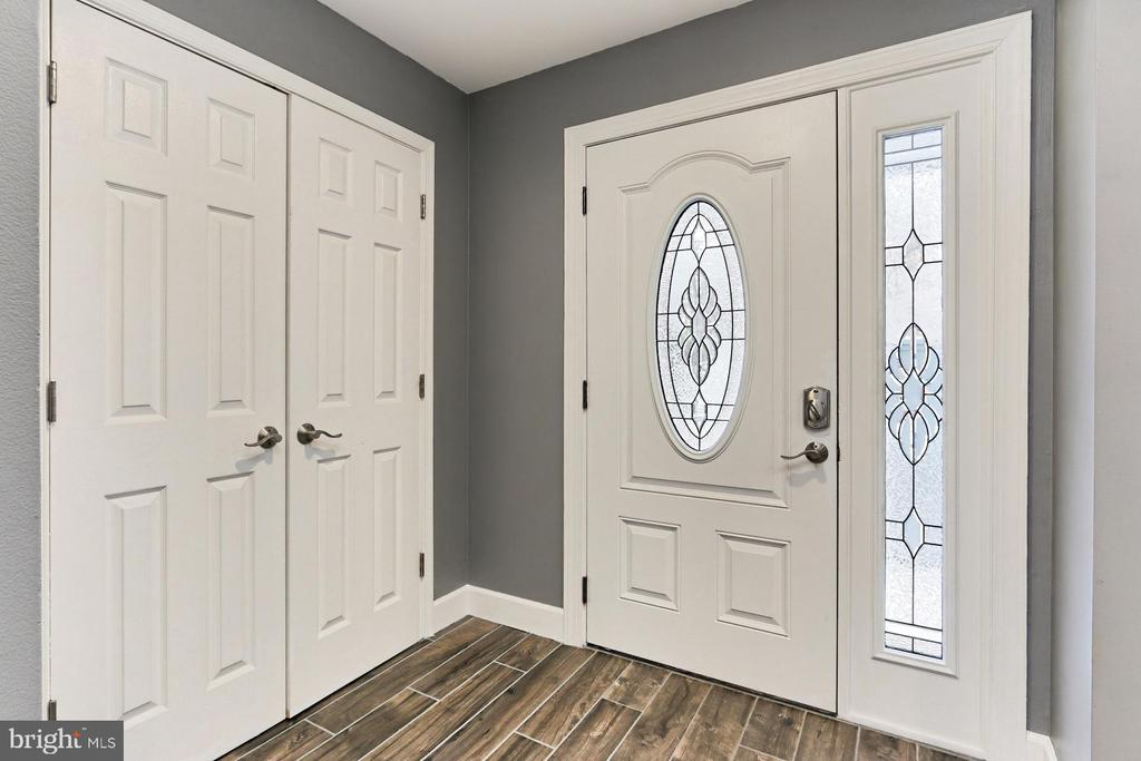 Lead glass embellished door welcomes you in! - 2071 WETHERSFIELD CT, RESTON