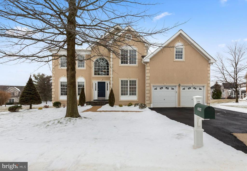 Spectacular home on Private lot w/Stunning Views - 20004 HAZELTINE PL, ASHBURN