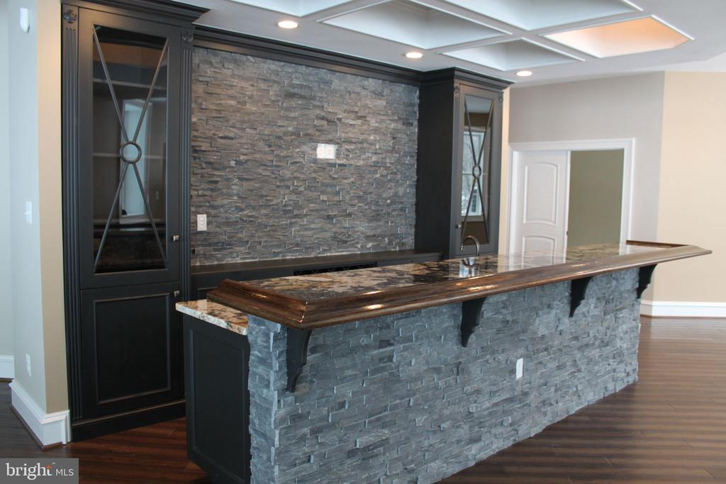 Options Include a Stone Bar in the Lower Level. - 10603 VALE RD, OAKTON