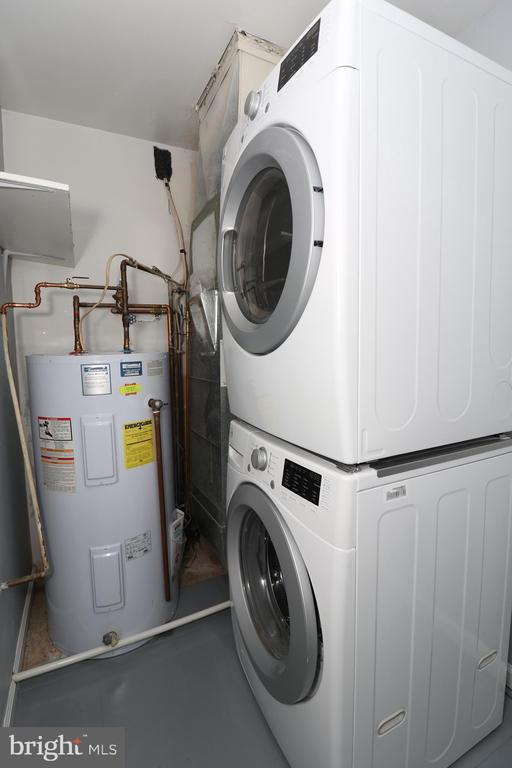 Washer and Dryer - 219 W MEADOWLAND LN, STERLING