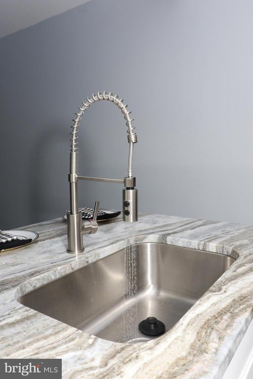 New sink - 219 W MEADOWLAND LN, STERLING