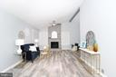 Astonishing Living Room - 219 W MEADOWLAND LN, STERLING
