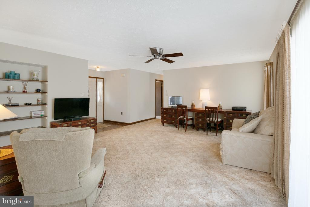 Living room - 122 SUNNY WAY, THURMONT