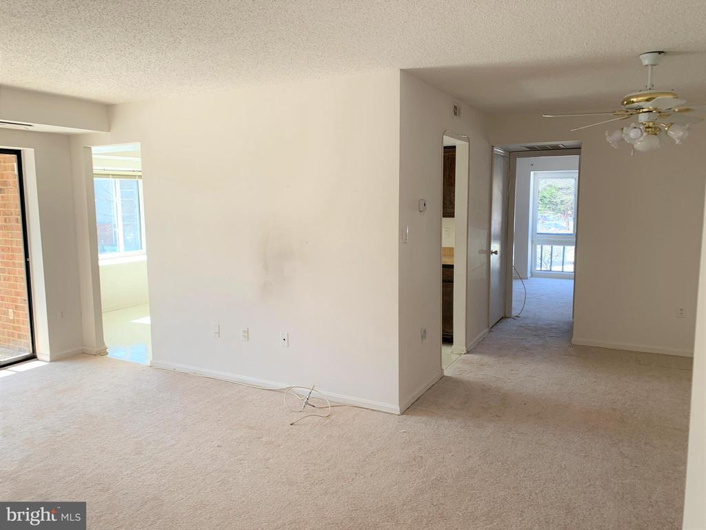 Living Room  and Dining Room - 10222 BUSHMAN DR #8123, OAKTON