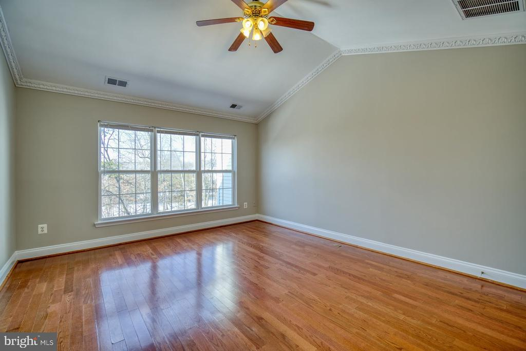 Owner's Suite - 2069 CAPSTONE CIR, HERNDON