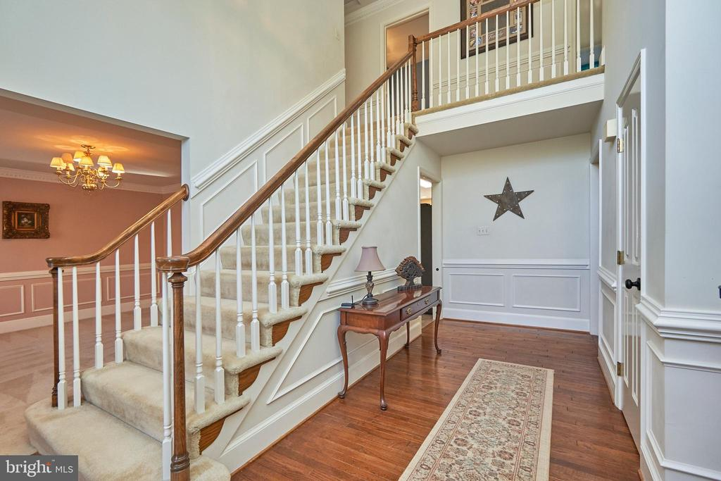Foyer View to Stairs Up - 12693 CROSSBOW DR, MANASSAS