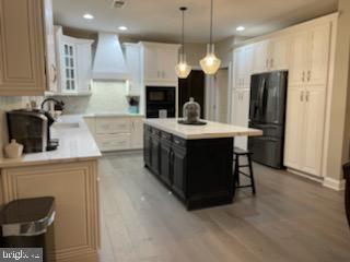 Newly renovated kitchen with custom cabinets - 12802 GLENDALE CT, FREDERICKSBURG