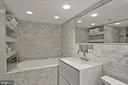 Spa bathroom w/jacuzzi tub and shower - 801 PENNSYLVANIA AVE NW #1026, WASHINGTON