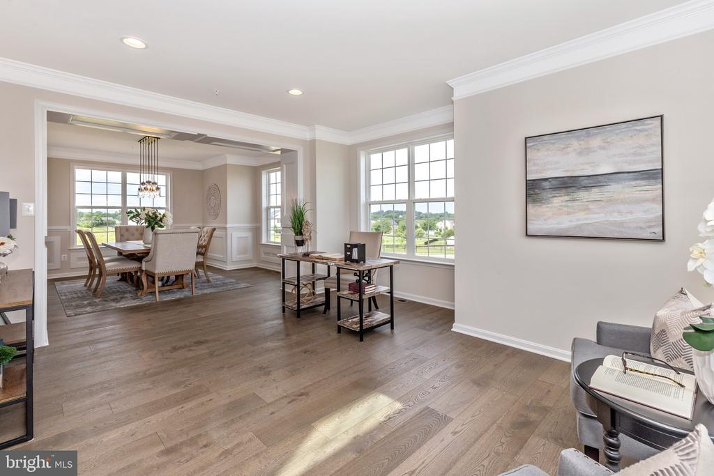 Living Room with included Molding - 6625 ACCIPITER DR, NEW MARKET