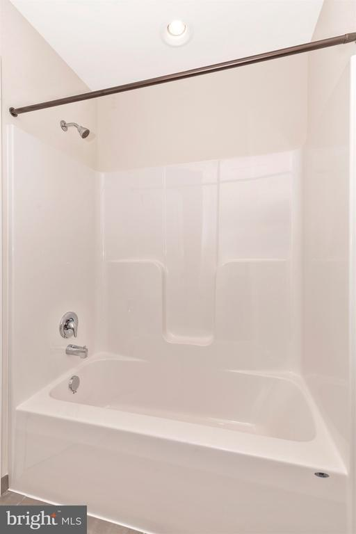 Buddy Bathroom - 6625 ACCIPITER DR, NEW MARKET