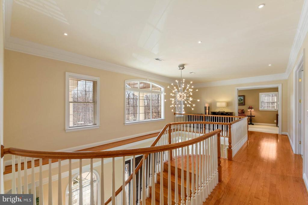 - 11324 CHAPEL RD, CLIFTON