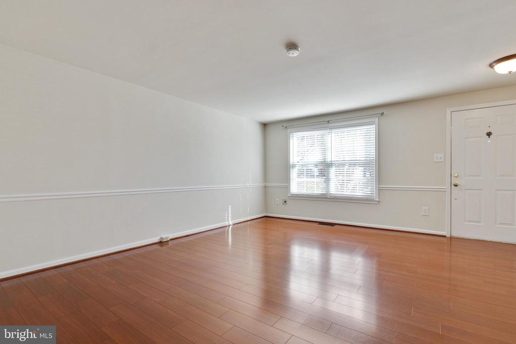Living Room - 6625 BRIARLEIGH WAY, ALEXANDRIA