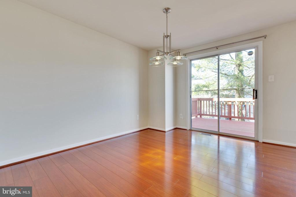 Dining Room w/SGD to Deck - 6625 BRIARLEIGH WAY, ALEXANDRIA