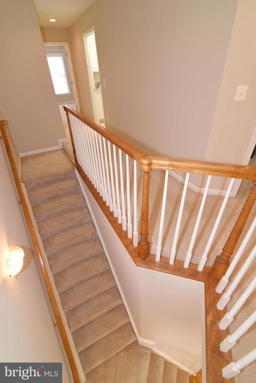 STAIRS TO BEDROOM LEVEL - 41921 SADDLEBROOK PL, LEESBURG