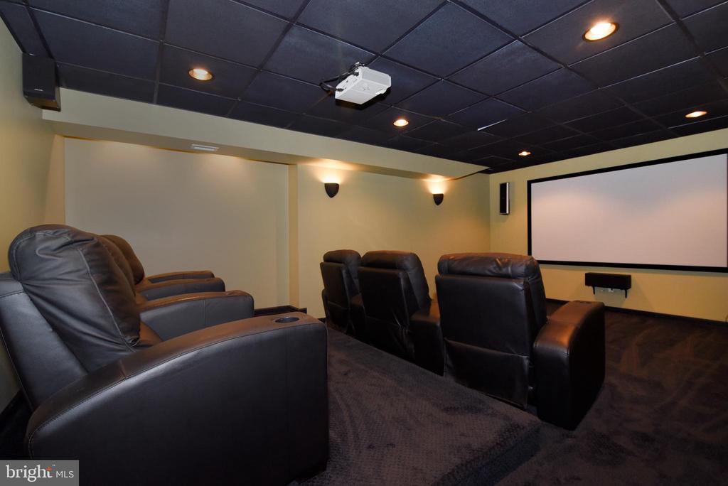 COMFY SEATS FOR MOVIE TIME - 41921 SADDLEBROOK PL, LEESBURG