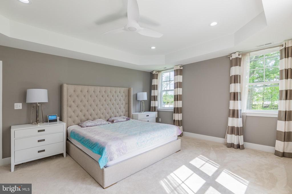 Primary bedroom suite - 5615 PICKWICK RD, CENTREVILLE