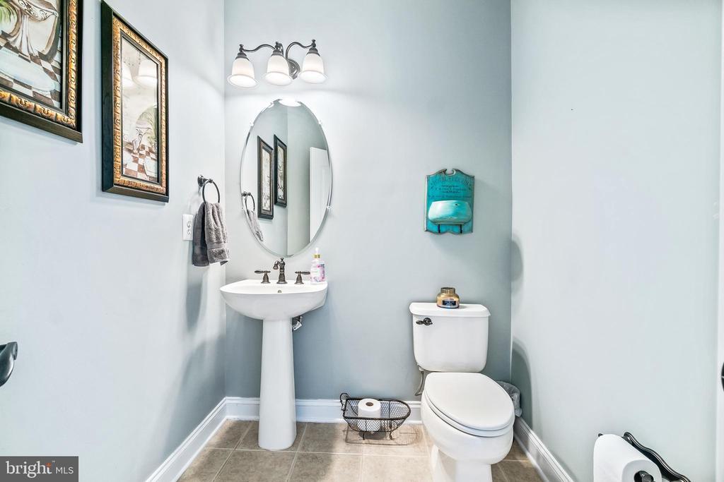 Main level half bath - 12802 GLENDALE CT, FREDERICKSBURG
