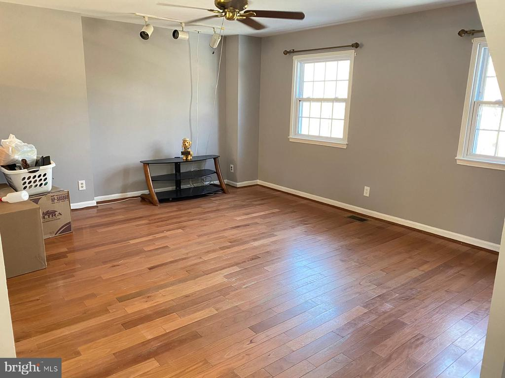 Living Room - 14823 MAIDSTONE CT, CENTREVILLE