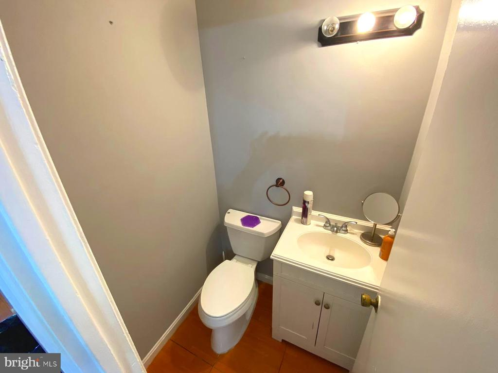 Half Bathroom - 14823 MAIDSTONE CT, CENTREVILLE
