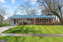 Beautifully maintained SFH on .24 acre lot! - 603 S DOGWOOD ST, STERLING