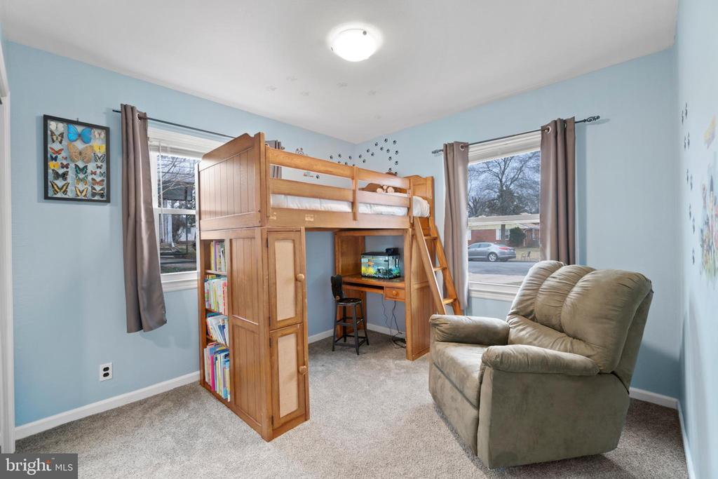 Bedroom 2 has new carpeting... - 603 S DOGWOOD ST, STERLING