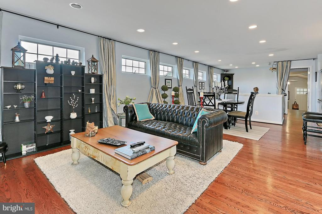 Living area of Grooms Quarters above Main Barn - 21281 BELLE GREY LN, UPPERVILLE