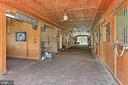 Show Barn - 21281 BELLE GREY LN, UPPERVILLE