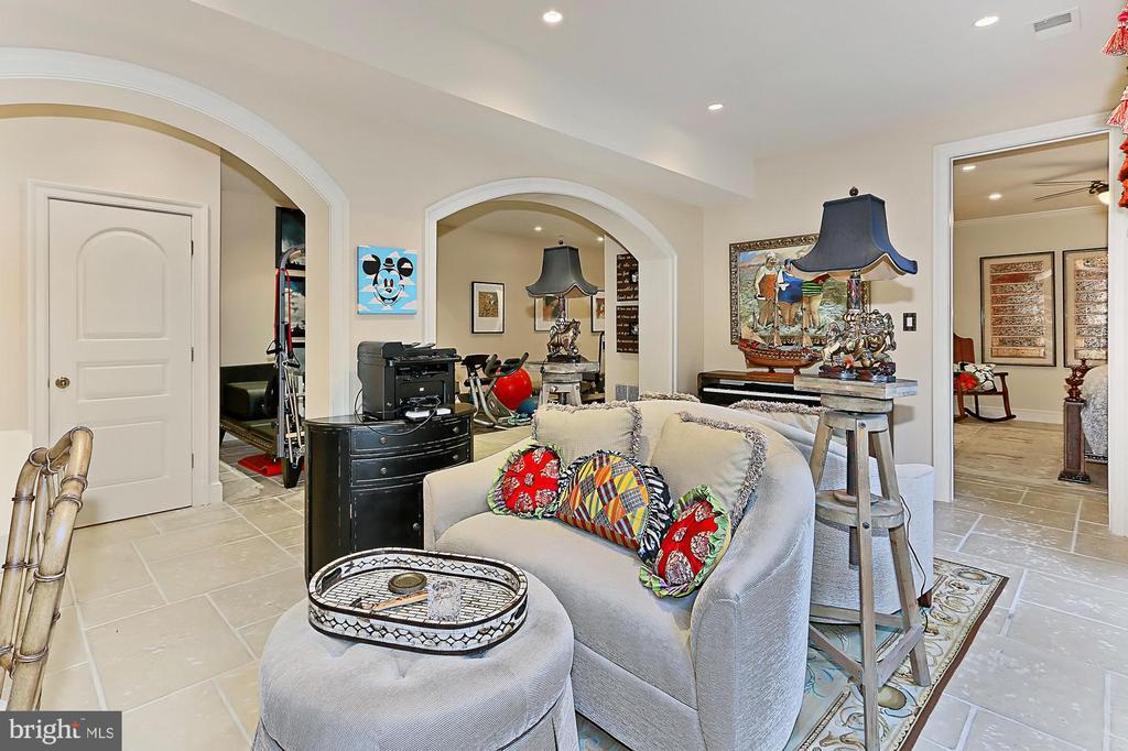 Lover Level Family room in Main Residence - 21281 BELLE GREY LN, UPPERVILLE