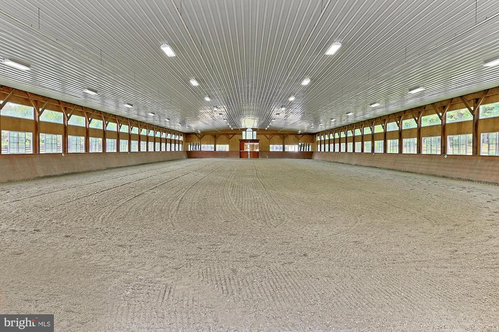 220' X 80' Indoor Arean - 21281 BELLE GREY LN, UPPERVILLE