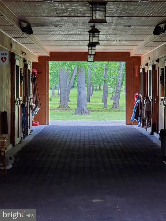 Inside view of Show Barn - 21281 BELLE GREY LN, UPPERVILLE