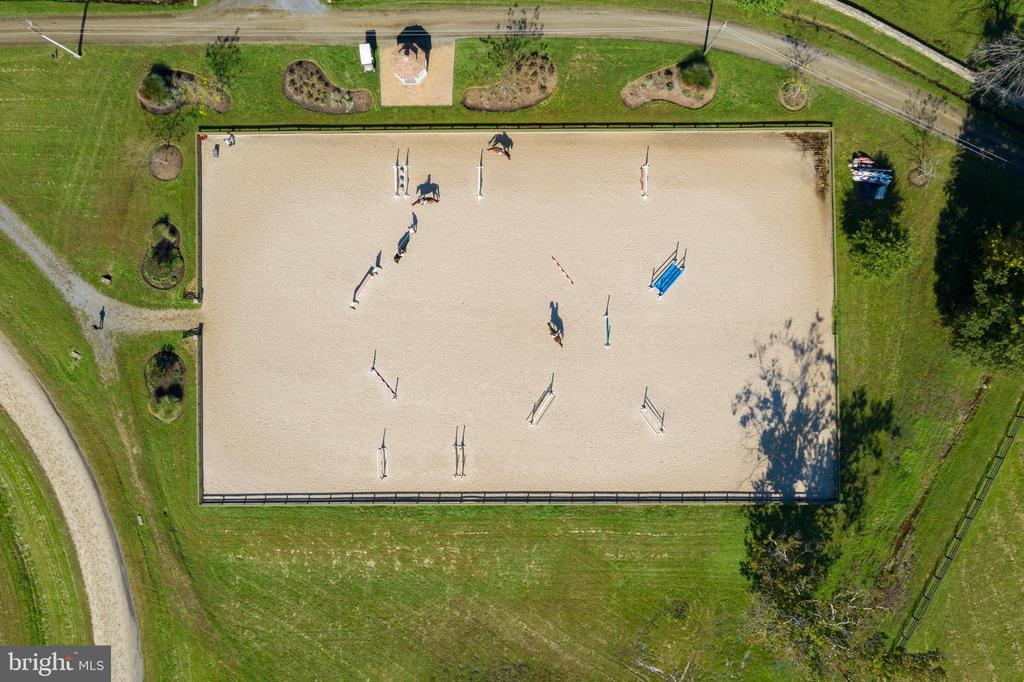 Overview of Outdoor Arena - 21281 BELLE GREY LN, UPPERVILLE