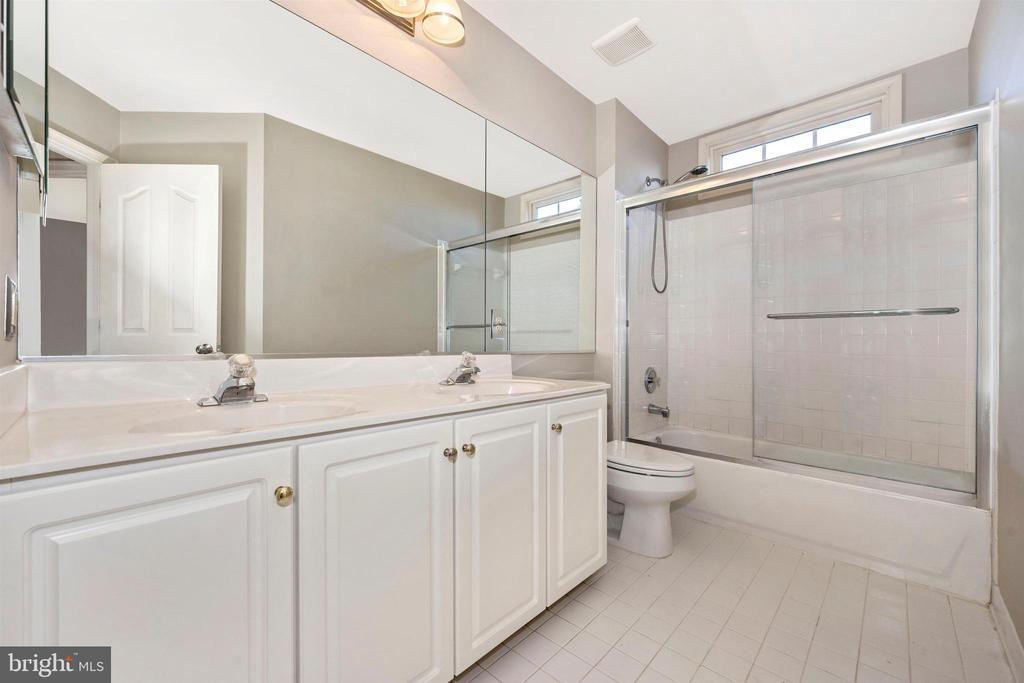 2nd Floor - Full Hall bathroom - 6923 BARON CT, FREDERICK