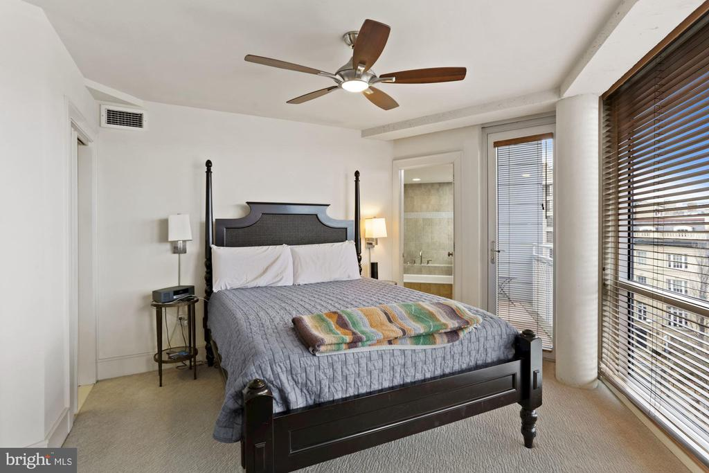 master bedroom - 2000 MASSACHUSETTS AVE NW #R-4, WASHINGTON
