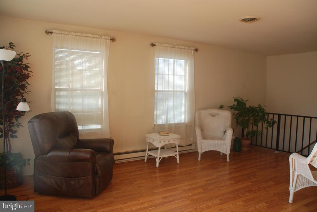 'Very large living room - 7050 BASSWOOD RD #11, FREDERICK